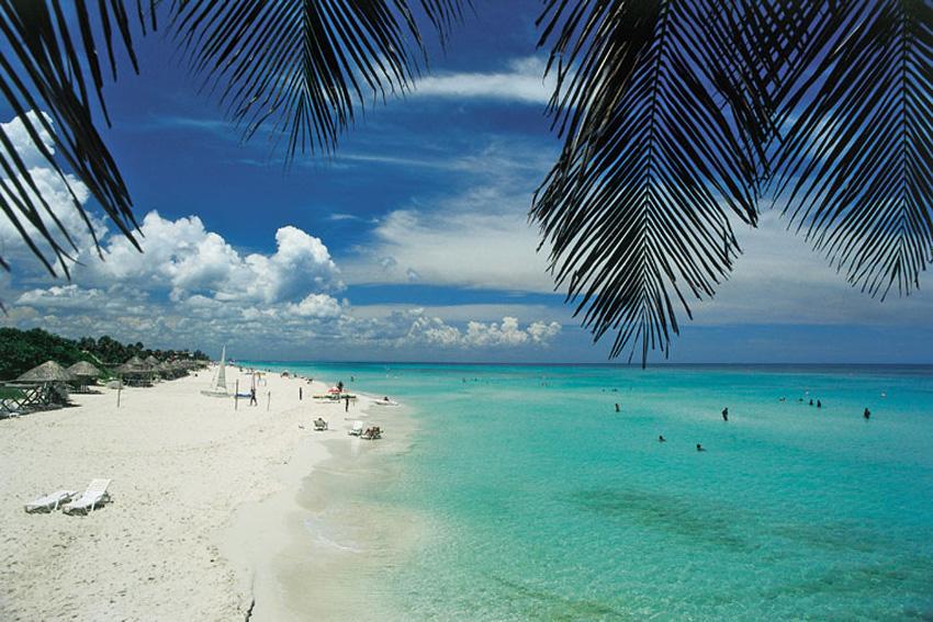 Самый известный и популярный курорт Кубы - Варадеро, протянувшийся своими б